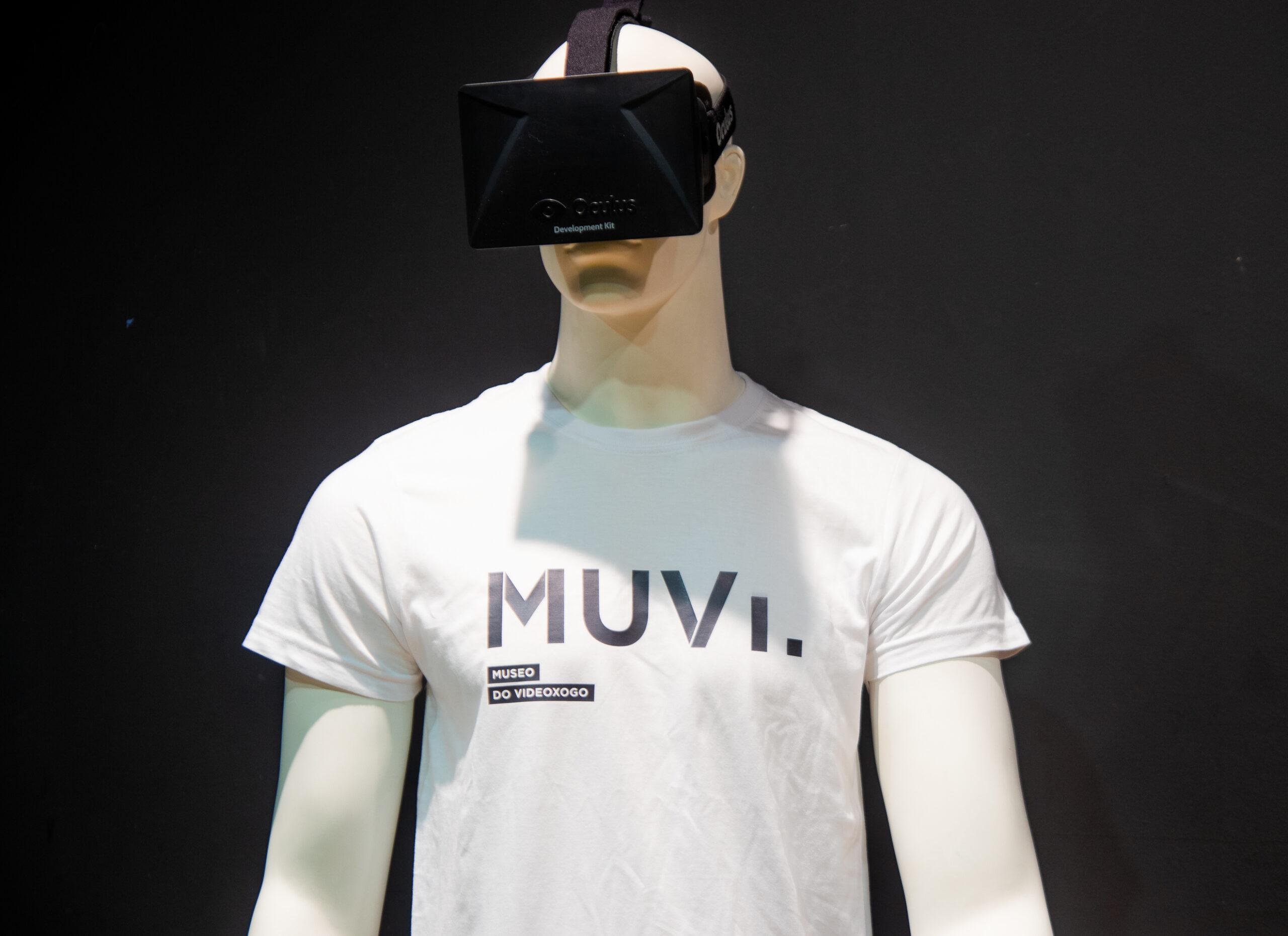 Maniqui con gafas de realidad virtual